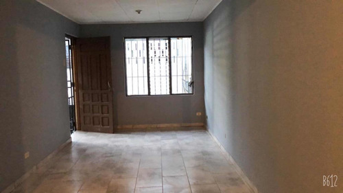 Apartamento Hatillo Centro-alquiler
