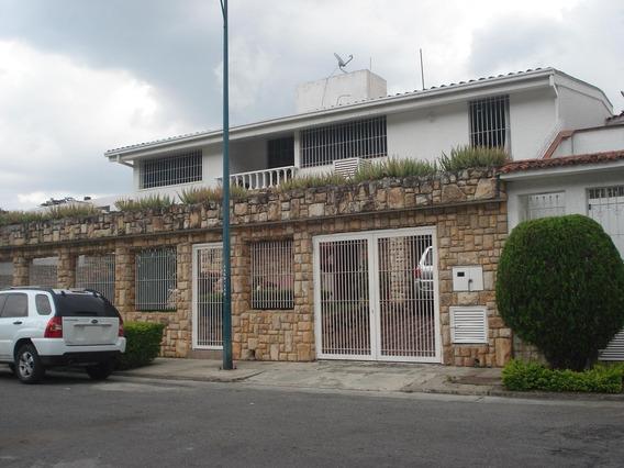 Casa En Venta En Clnas. De Vista Alegre Rent A House @tubieninmuebles Mls 20-6136