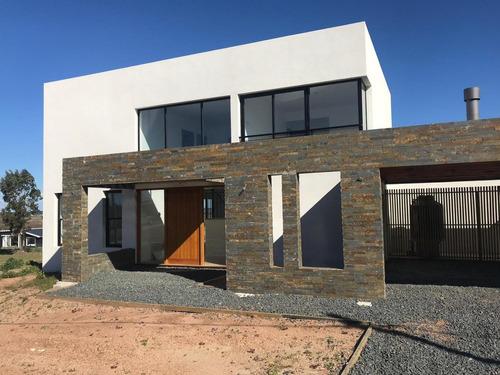 Venta Alquiler Casa 3 Dormitorios 3 Baños Mirador De La Tahona #383