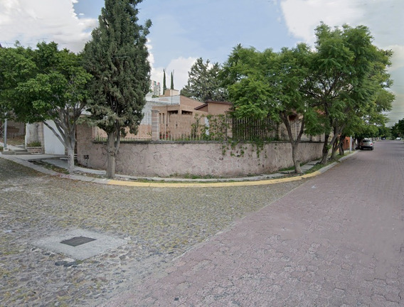 Casa 3 Recámaras 2 Baños 4 Estacionamientos | Excelente Zona