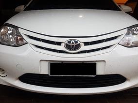 Toyota Etios Xs 1.5 Branco 2014 5p