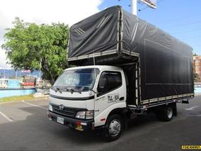 Camion Hino Dutro Estacas