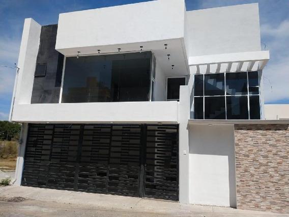 Casa Sola En Venta En La Cabaña, Texcoco, México