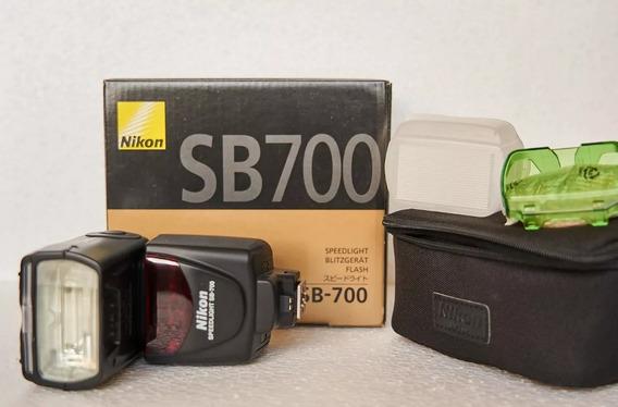 Flash Nikon Sb700 - Usado Barbada Nao Estou Usando !!