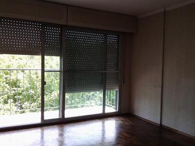 Apartamento De 3 Dormitorios, Amplio,luminoso,muy Buena Ubic