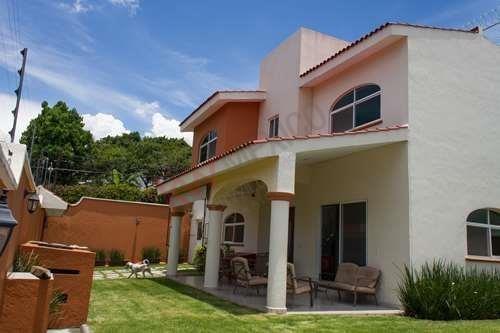 Se Vende Casa Zona Norte, En Privada, Cuernavaca