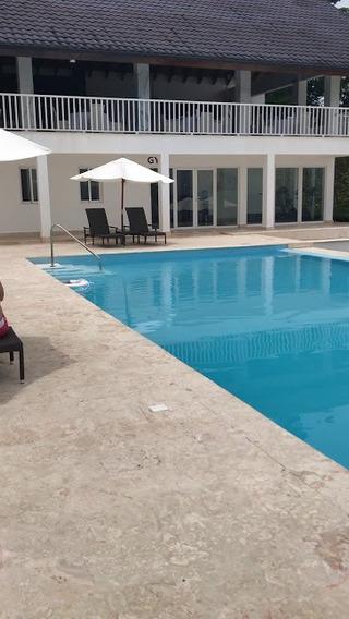 Villa Turistica. Vistamare, Samaná 144.84 M2. Us$240,000