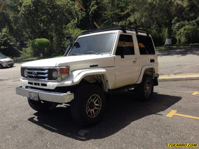 Toyota Macho Techo Duro