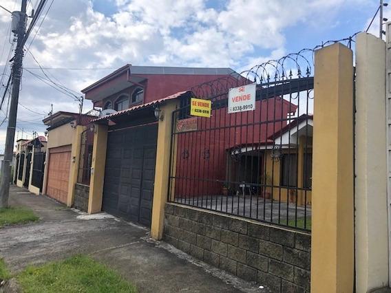 San Isidro Heredia, Casa 4 Hab, Amplios Espacios, Un Piso.