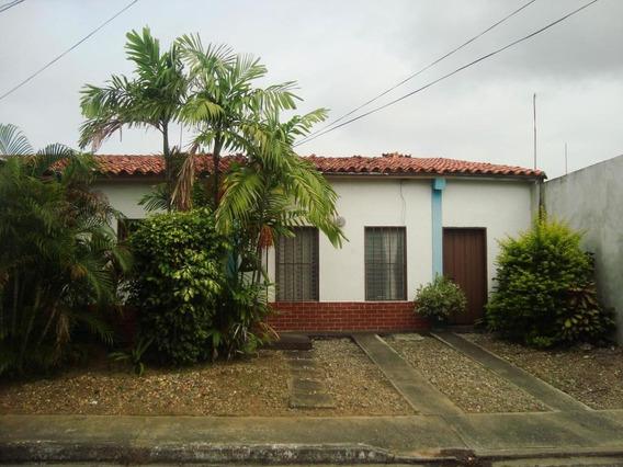 Se Vende Casa Centro Rah: 19-1354