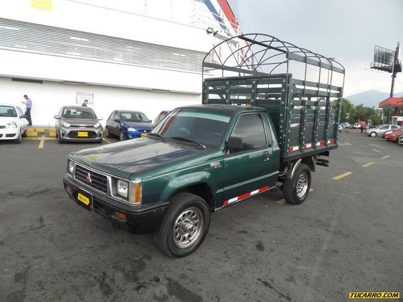 Mitsubishi L200 Mt 2000cc 4x4 Estacas