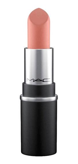 M A C Lipstick Little M A C - Batom 1,8g