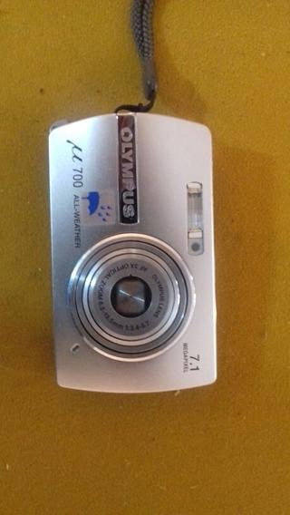 Câmera Digital Olimpus 700