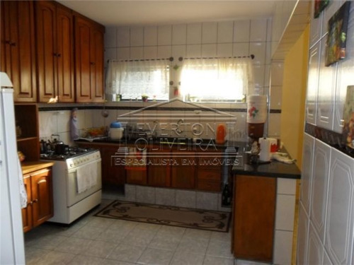 Casa - Jardim Luiza - Ref: 139 - V-139