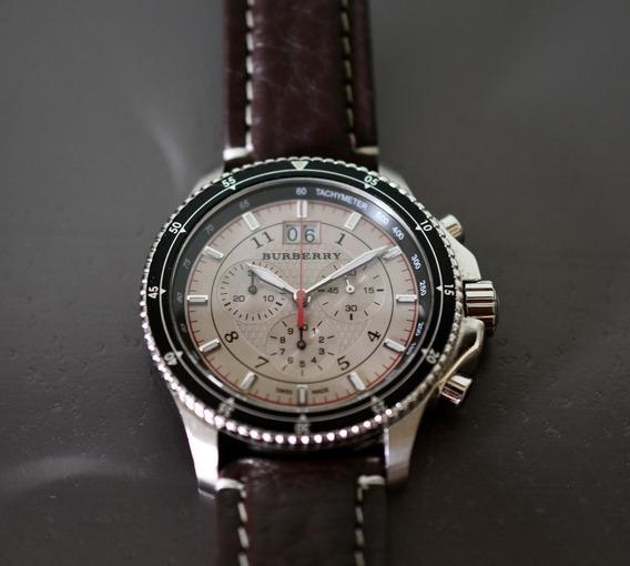 Relógio Burberry Cronógrafo - Suiço - Quartz