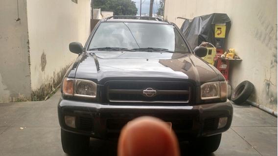Nissan Pathfinder 3.3 Se 5p 2001