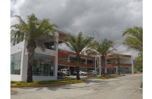 Renta De Local Comercial B-6, En Plaza Visana