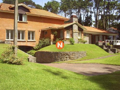 Oportunidad, Casa En Venta, Golf, Punta Del Este, 6 Dormitorios.- Ref: 206771