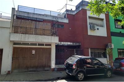 Casa En Venta En Parque Chacabuco.