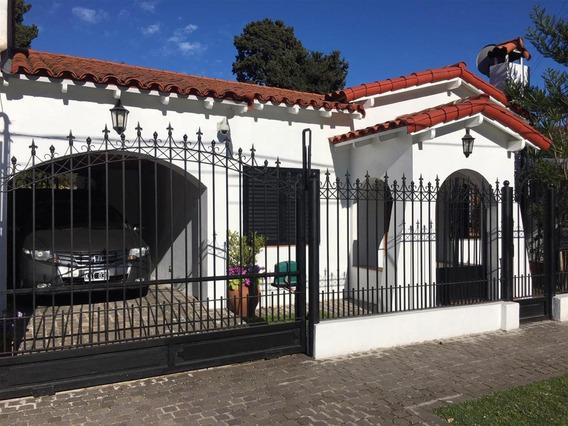 Excelente Casa En Adrogué Oportunidad!!