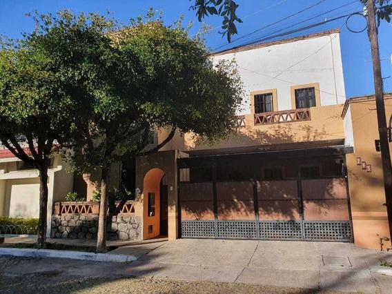 Casa En Venta En Lomas De Circunvalación, Colima