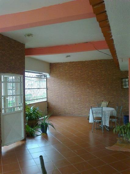 Casa En La Urbanización Lomas De Funval. Sdc-405