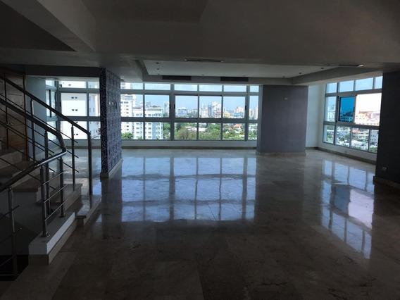Vendo Lujos Penthouse De Tres Niveles En Ranacimiento