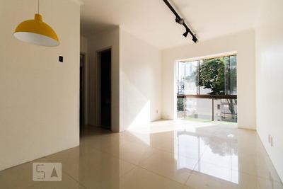 Apartamento No 3º Andar Com 1 Dormitório E 1 Garagem - Id: 892928906 - 228906