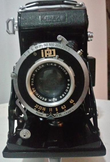 Máquina Fotográfica Antiga.
