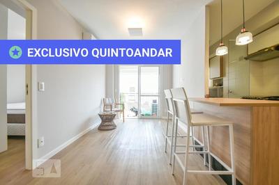 Apartamento No 4º Andar Mobiliado Com 1 Dormitório E 2 Garagens - Id: 892908846 - 208846