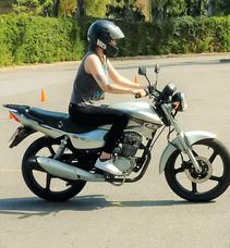 Escuela De Manejo-academia- Clases De Moto-curso De Moto