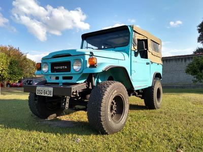 Toyota Bandeirante Jeep Curto Lona