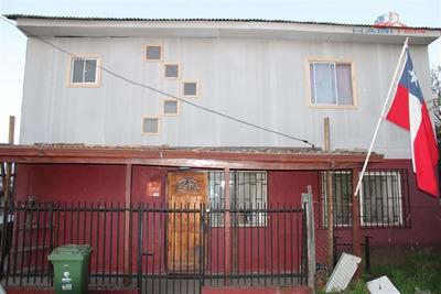 Casa En Venta De 5 Dorm. En Molina