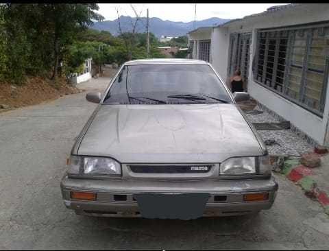 Mazda 323 Usado