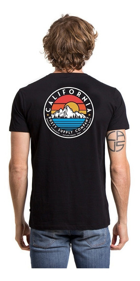 Remera Hombre Rusty Mountains And Rainbows Negra