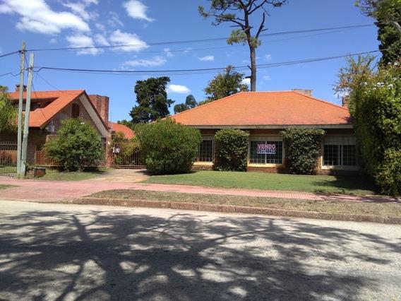 Casa En Carrasco Sur. Esteban Elena Y S.lucar- 4 Dormitorios
