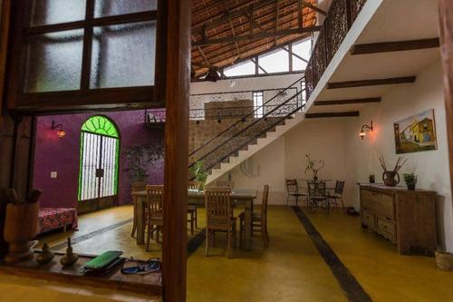 Belíssima Casa Em Condominio Fechado Em Santanta De Parnaíba - So0398