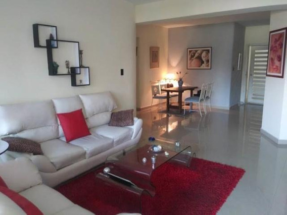 Venta Amplio Apartamento El Parral 20-11718 Maria Zambrano