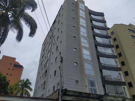 Apartamento En Venta Urb El Bosque Las Delicias 20-18371 Hcc