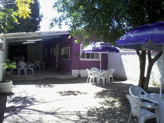 Vendo Uma Lanchonete (frente), Uma Casa E Pequeno Terreno.