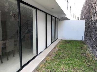 Se Vende Preciosa Casa En Punta Esmeralda, Equipada, Jardín, 3 Recámaras, Lujo