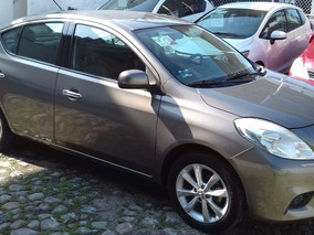 Nissan Versa 1.6 Exclusive At Sedán 2014
