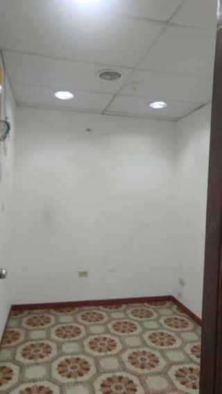 Oficina Consultorio Cubículo En Alquiler En Av Las Ferias Valencia