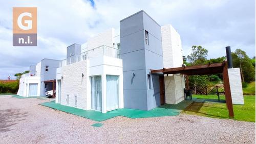 Casa En Piriápolis (portales) - Ref. 4576