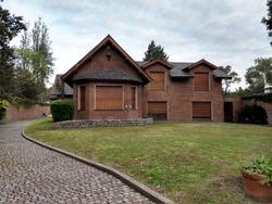 Enorme Casa En Fisherton - 700m2 Sobre Terreno De 4500