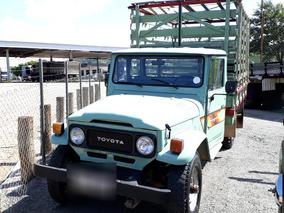 Toyota Bandeirante 4x4 Carroceria Muito Nova!