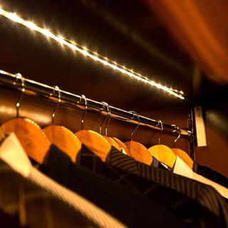 Fita Led A Pilha Sensor Presença P/ Armario Closet Cabideiro