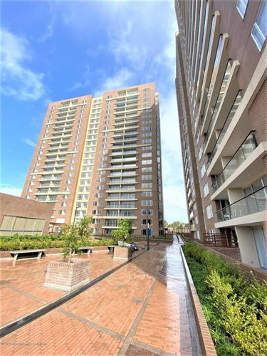 Apartamento En  7 De Agosto Rah Co: 21-1224