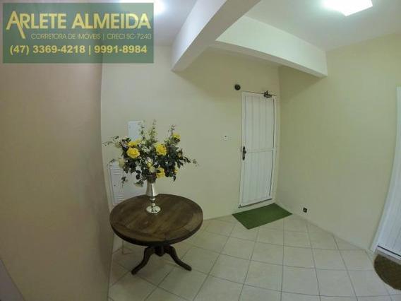 Apartamento No Bairro Centro Em Porto Belo Sc - 111