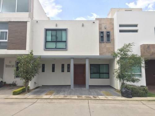 Casa En Venta En Fracc Residencial Solares